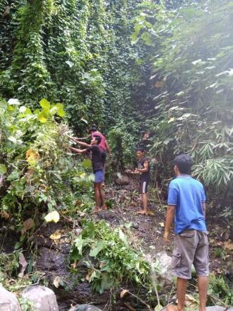 Bergotongroyong Bersama Menjaga Kebersihan Lingkungan Pancoran Kayuan Dedari